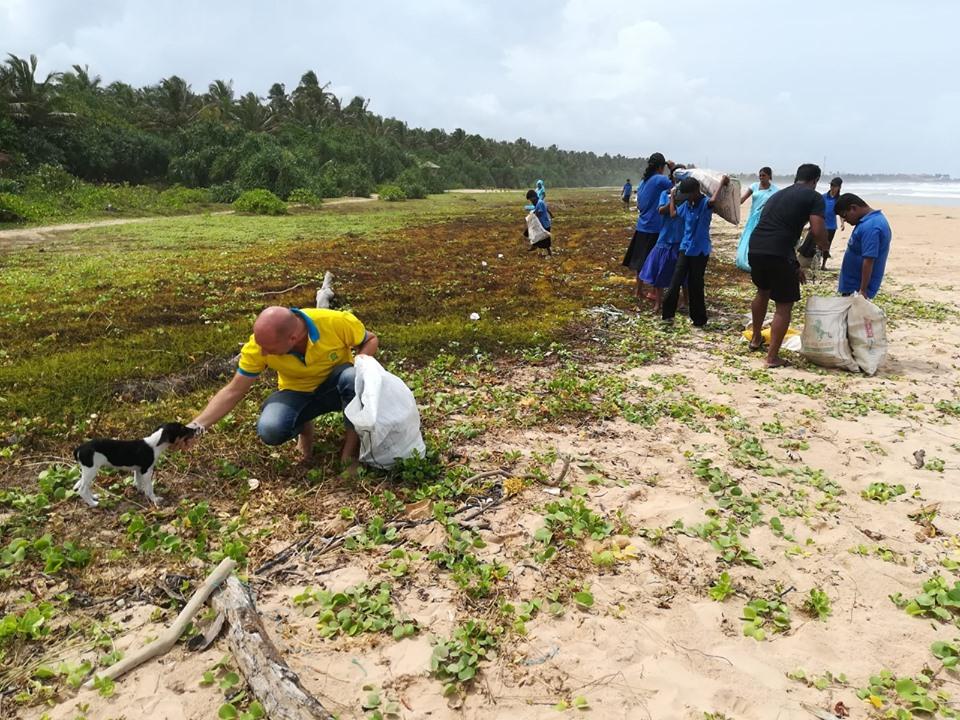 Nettoyage plage Sri Lanka